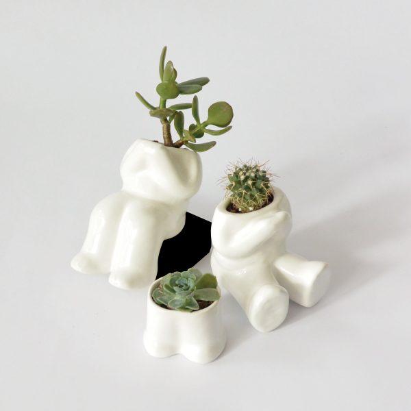 maceta cuerpo hood pies colgando de ceramica marca tuio diseño mexicano regalo corporativo